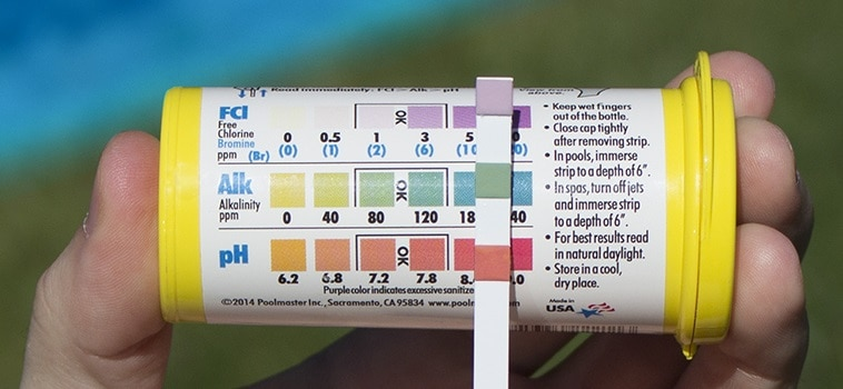 poolmaster-spa-test-strips-testing-the-ph-of-your-hot-tub-water