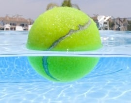 tennis-ball-in-hot-tub-clean-oil-scum